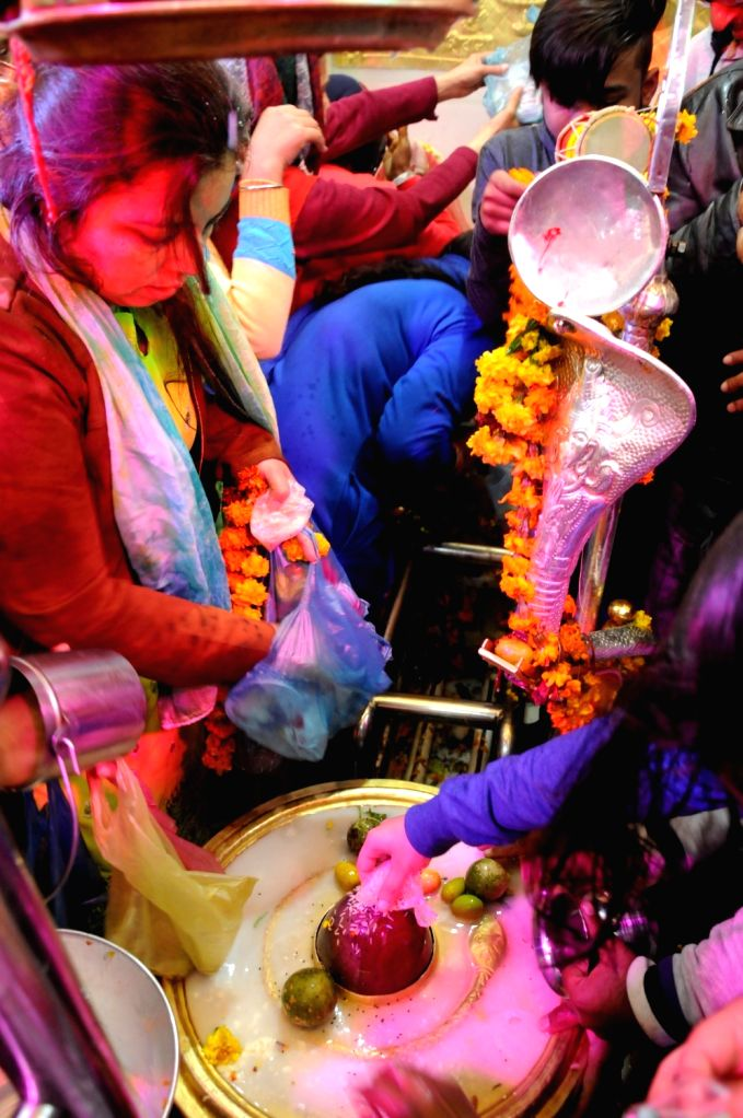 People worship lord Shiva on Maha Shivratri in Amritsar on March 4, 2019.