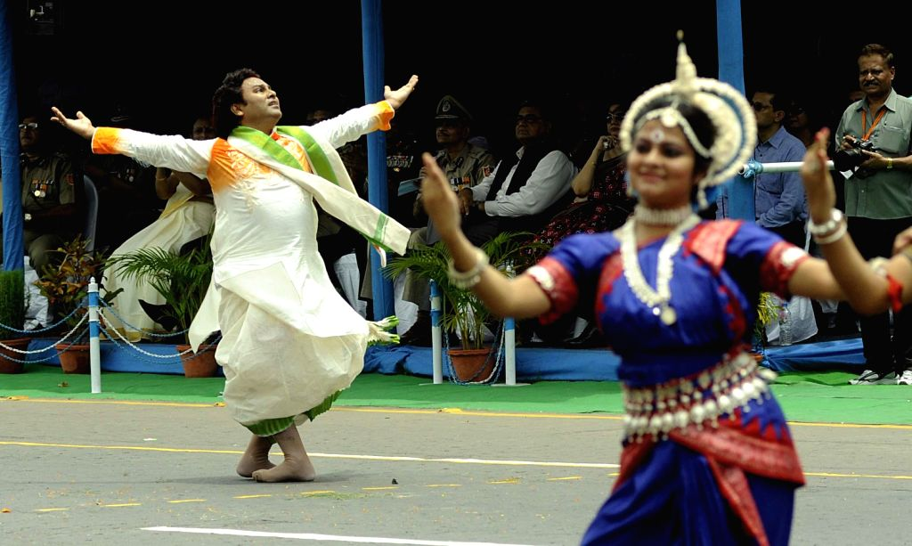 Performer  performing different traditional dance art during 67th Independence day celebration in Indira Ganghi sarani at Kolkata on 15,Aug,2013. (Photo::: IANS)