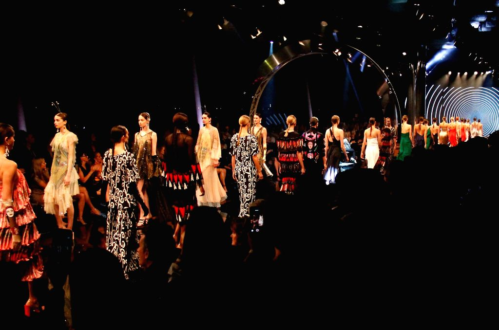PERTH, Sept. 11, 2018 - Models present creations during the 2018 international fashion festival in Perth, Australia, Sept. 11, 2018.