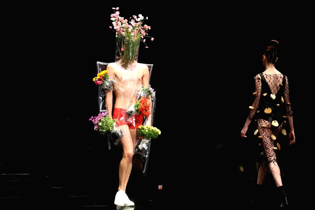 PERTH, Sept. 15, 2017 - Models present creations during the 19th international fashion festival in Perth, Australia, Sept. 14, 2017.