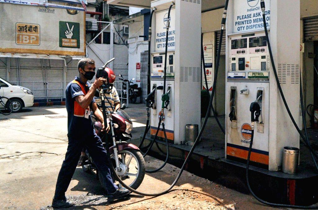 Petrol, diesel price increase pauses after 5 days