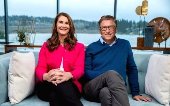 Photo provided by Bill & Melinda Gates Foundation shows that Bill Gates (R) and Melinda Gates pose for a photo after annotating the 2019 annual letter in Kirkland, Washington, the ...