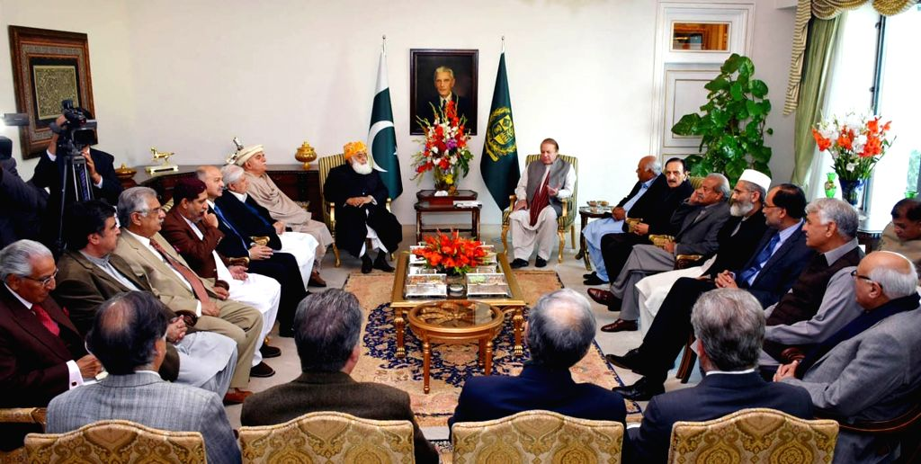 Photo released by Pakistan's Press Information Department (PID) on Jan. 15, 2016 shows Pakistani Prime Minister Nawaz Sharif (R, rear) attends a meeting on ... - Nawaz Sharif