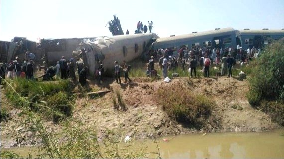 Photo taken with a mobile phone on March 26, 2021 shows the site of a train collision in Sohag, Egypt. (Photo by Ahmed al-Afyouni/Xinhua)