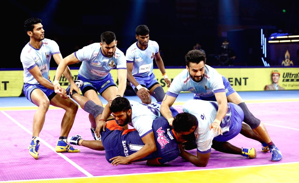 Players in action during match no. 128 of Vivo Pro Kabaddi Season 7 between Bengal Warriors and Tamil Thalaivas at Thyagaraj Sports Complex in New Delhi on Oct 9, 2019.