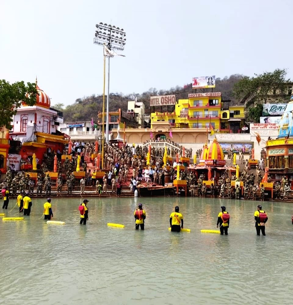 Pledge for safe Mahakumbh by ITBP and other CAPFs and State Police at Har ki Pauri.