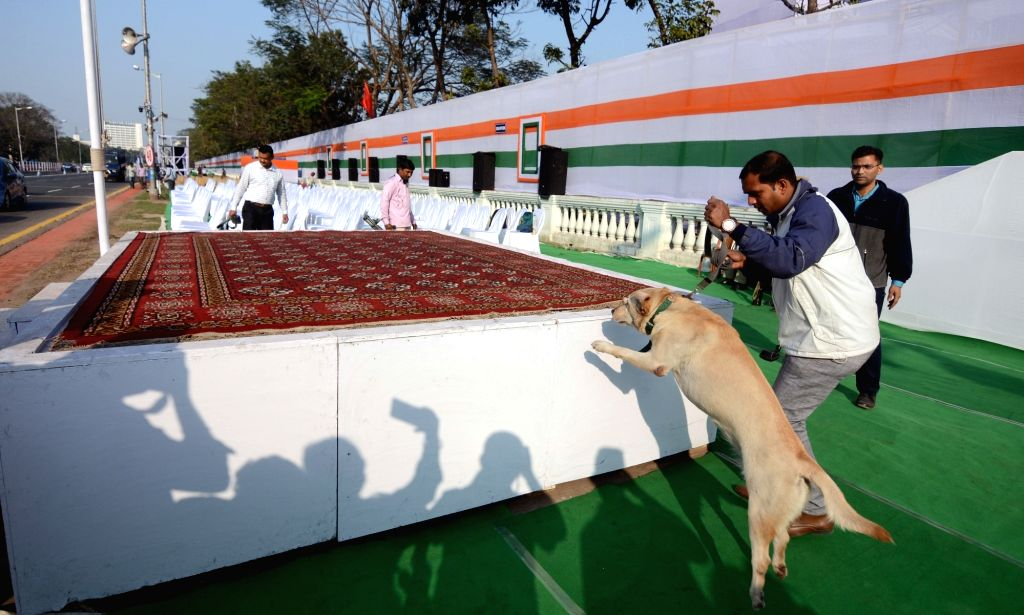 Police carries out security checks with the help of a sniffer dog at Red Road on the eve of Republic Day parade 2020. in Kolkata on Jan 25, 2020.