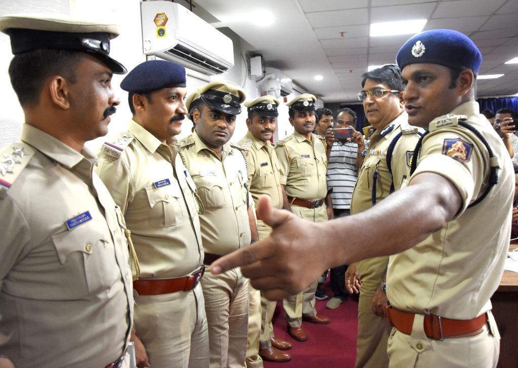 Police Commissioner Bhaskar Rao being introduced to the team constituted to investigate Alliance University Former Vice Chancellor Ayyappa R. Dore's murder case at a press conference, in ... - Commissioner Bhaskar Rao