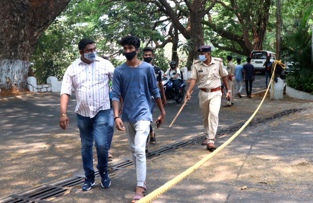 Police detained Students and other activists who were protesting to demand postponing of Board exams outside the CMs residence at Altinho Panaji on Monday, 19th 2021.