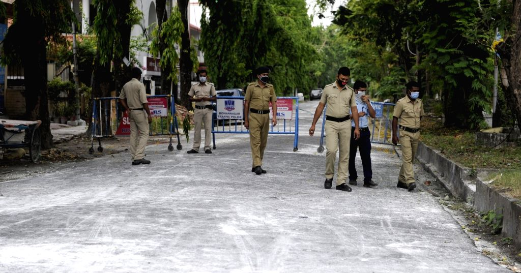Police personnel deployed at at GC Block in Kolkata's Salt Lake during the extended nationwide lockdown imposed to mitigate the spread of coronavirus; on Apr 24, 2020.