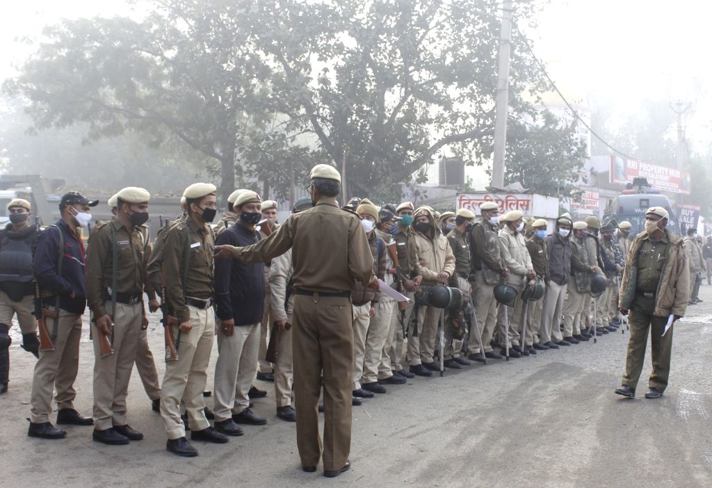 Police personnel deployed at Delhi-Haryana's Singhu Border during farmers' protest against the three farm laws that continues for the 10th day, on Dec 5, 2020.