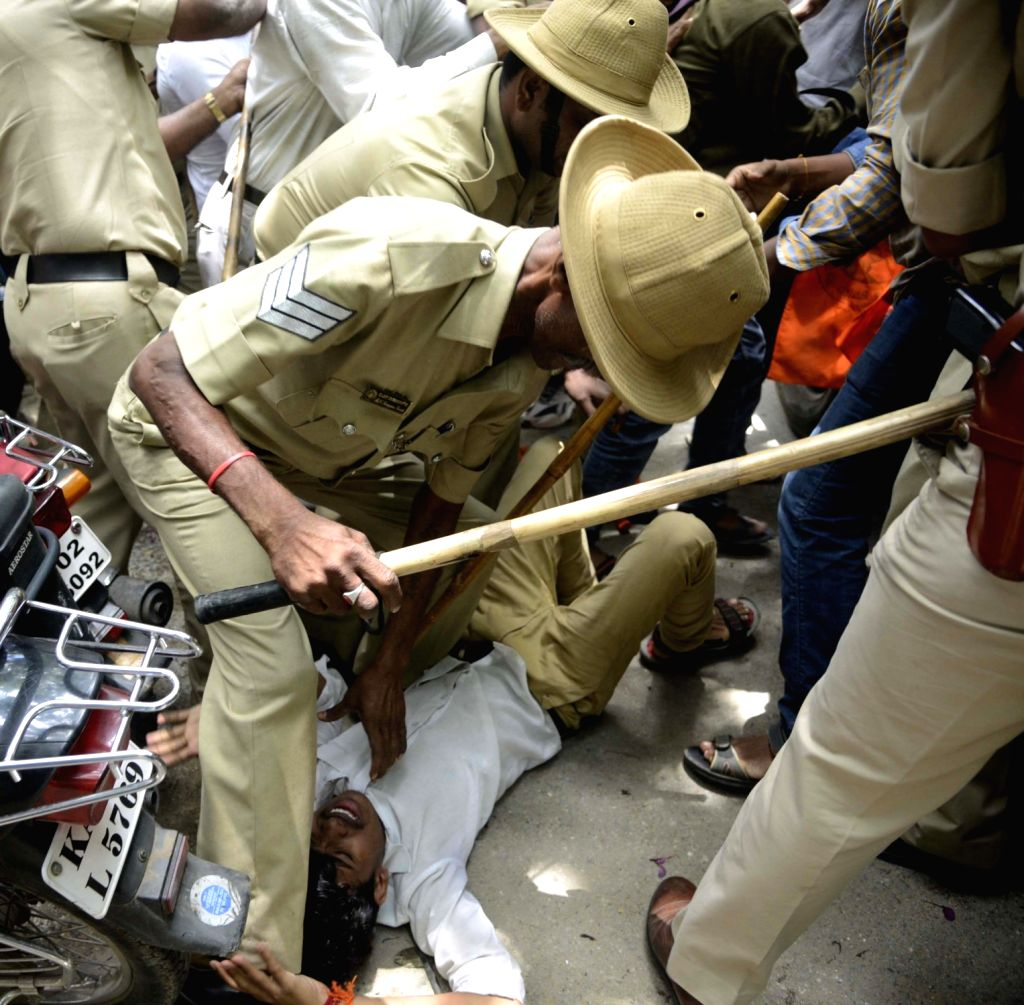 Police resort to lathi charge as ABVP activists stage a demonstration against Amnesty International India in Bengaluru on Aug 19, 2016.