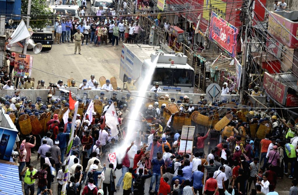 Police resorts to the use of water canons to disperse thousands of students and youth wing activists of the Left parties protesting against unemployment while advancing towards the state ...
