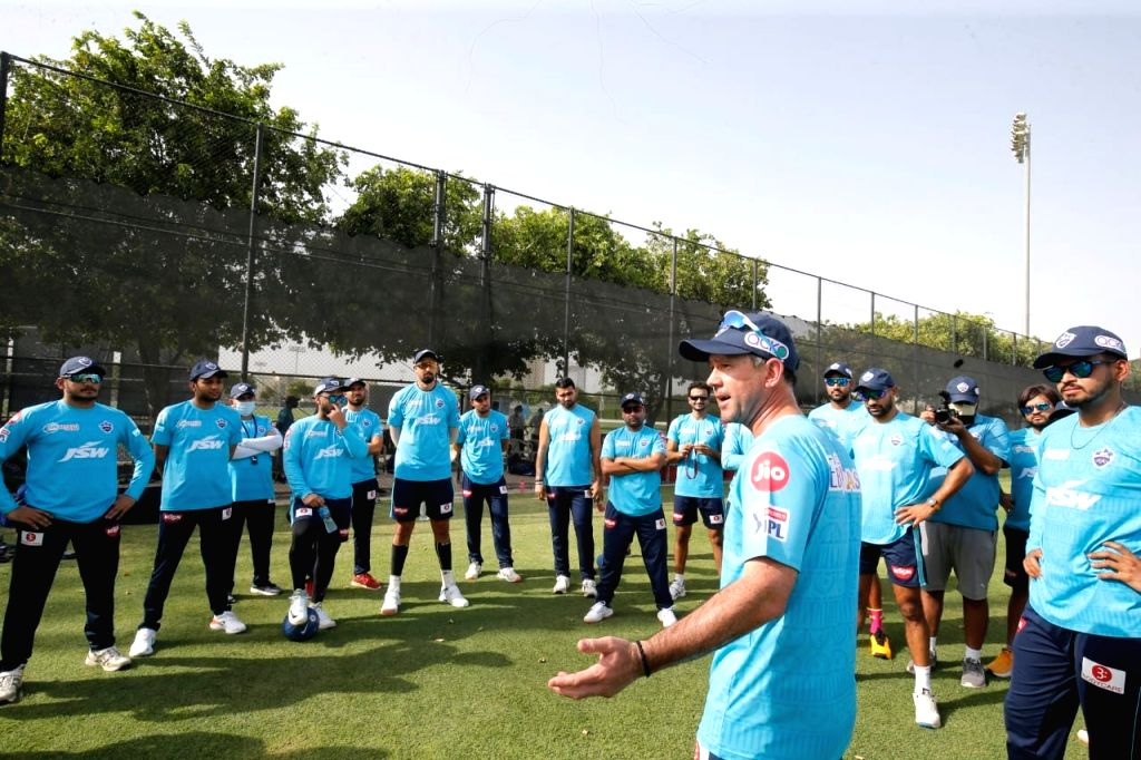 Ponting conducts first trainig session with DC after completing quarantine.