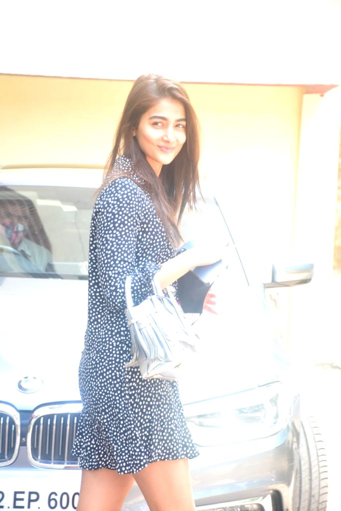 Pooja Hegde Spotted In Bandra On Saturday 27 March, 2021.