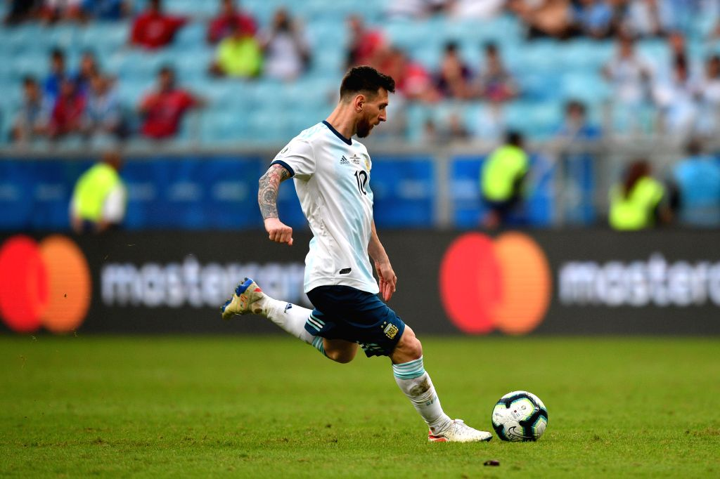 PORTO ALEGRE, June 24, 2019 (Xinhua) -- Argentina's Lionel Messi kicks the ball during the Group B match between Argentina and Qatar at the Copa America 2019, in Porto Alegre, Brazil, June 23, 2019. Argentina won 2-0. (Xinhua/IANS)