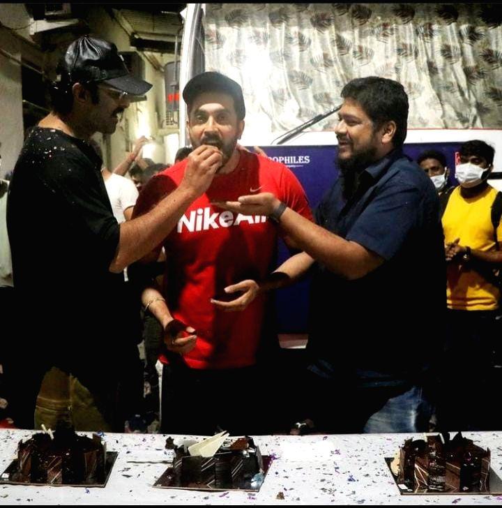 Prabhas sends birthday wishes to 'Adipurush' co-star Sunny Singh - Singh