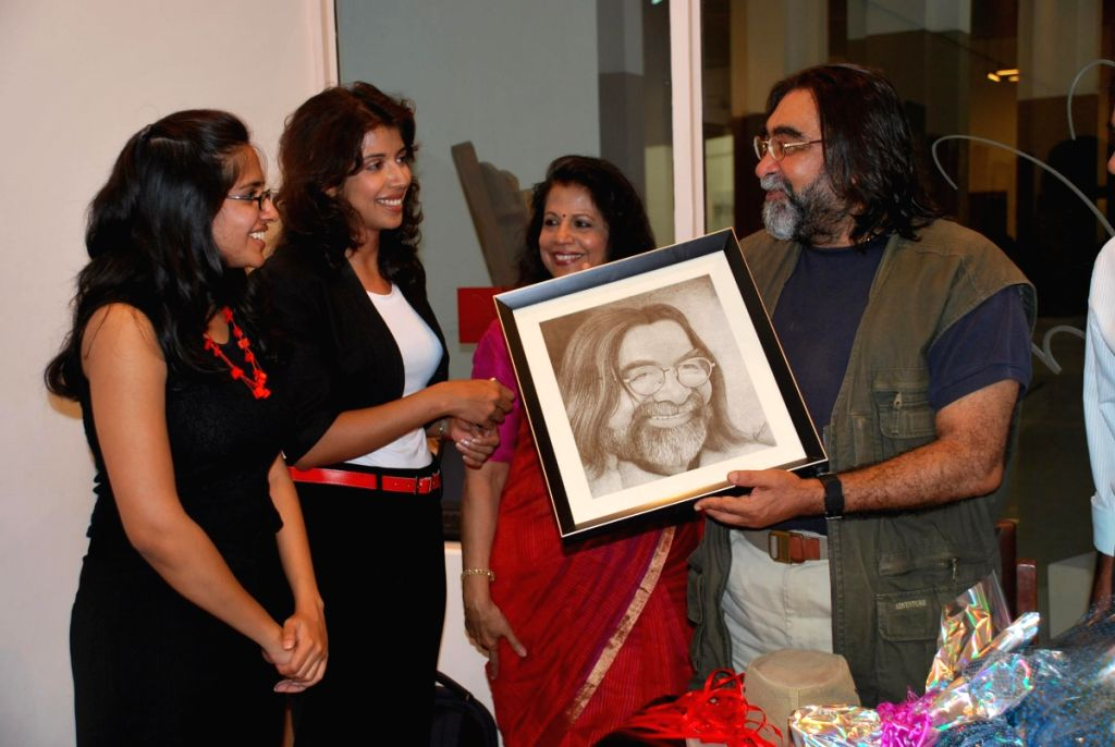 "Prahlad Kakkar at Hina and Shital Shah's ""Different Strokes"" art event."