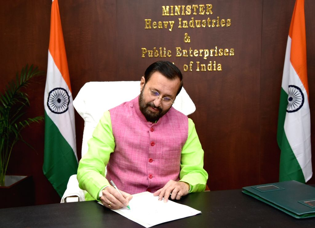 Prakash Javadekar takes charge as the Union Minister for Heavy Industries and Public Enterprise, in New Delhi on Nov 13, 2019.