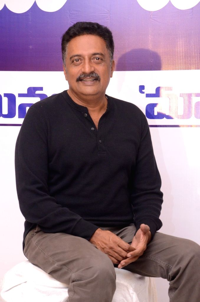 Prakash Raj takes on Vishnu Manchu in direct fight for MAA president