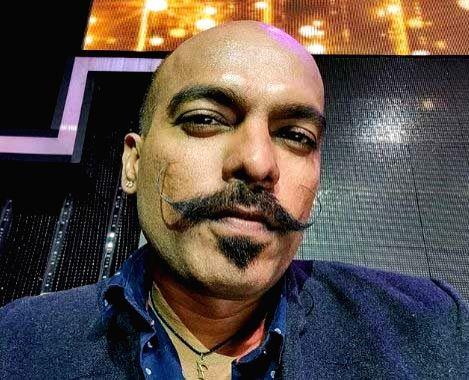 Prashant Ingole's poem 'Naadaan' urges people to not step out.