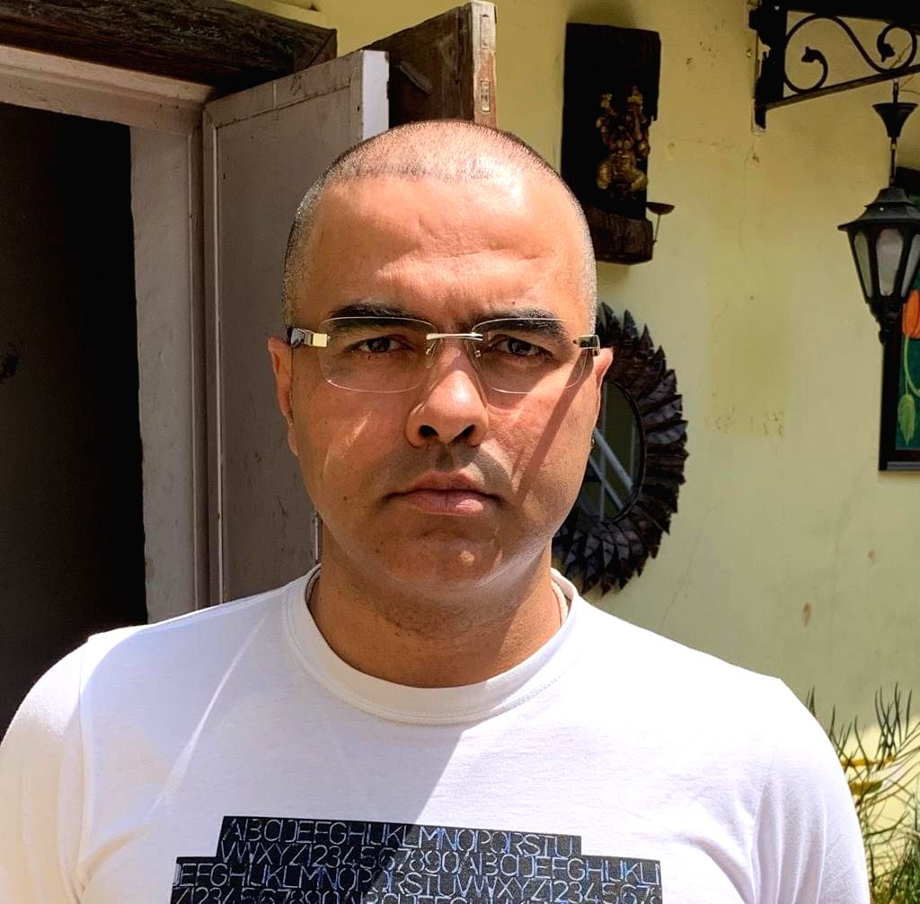 Pravesh Verma gets his head shaved in protest against the killing of two sadhus in Palghar. - Pravesh Verma