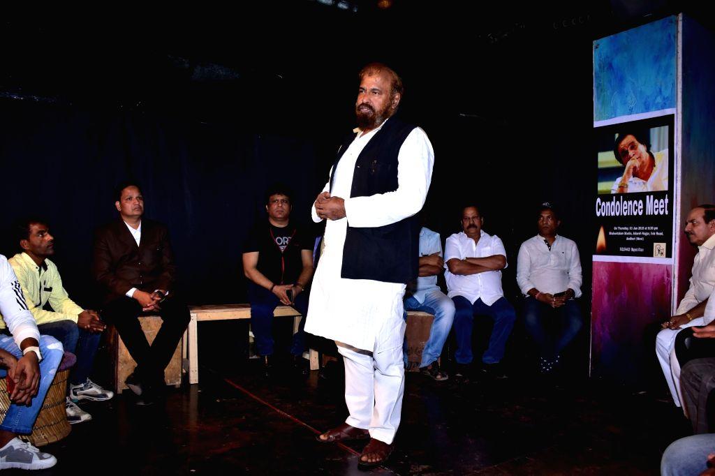 Prayer meet of veteran actor and writer Kader Khan underway in Mumbai on Jan 3, 2019. - Kader Khan