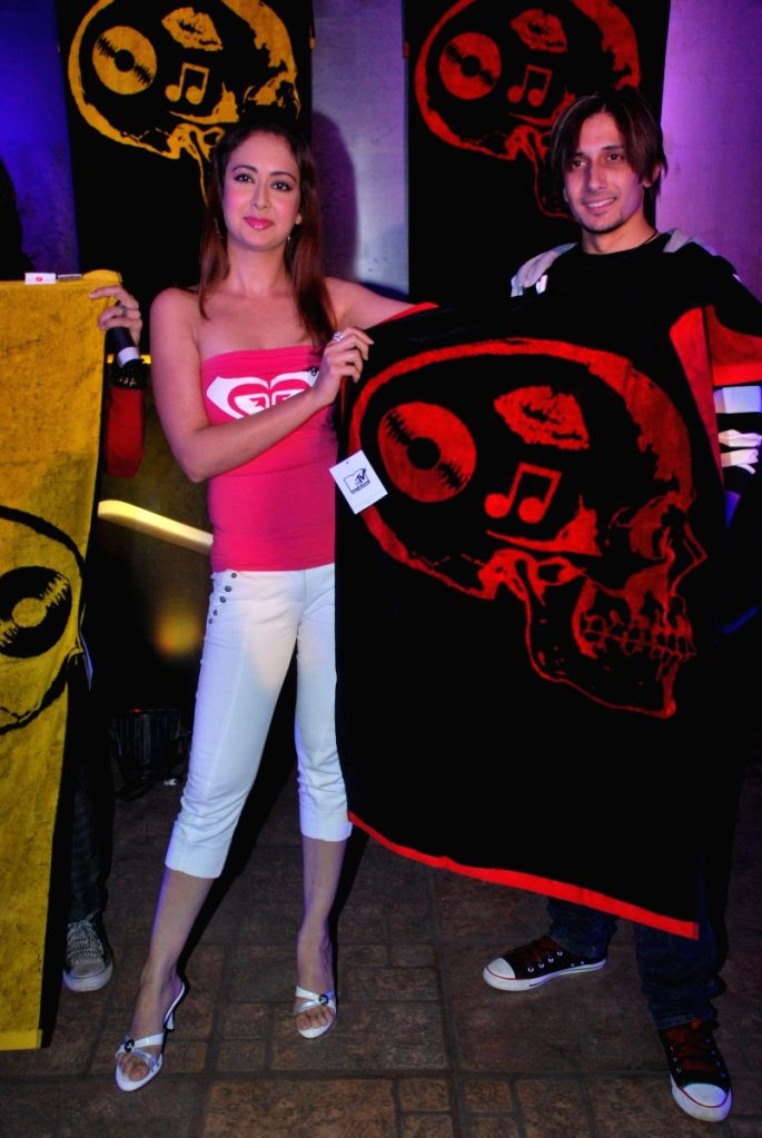 """Preeti Jhangiani with MTV at their new """"Portico Towels"""" launch."""