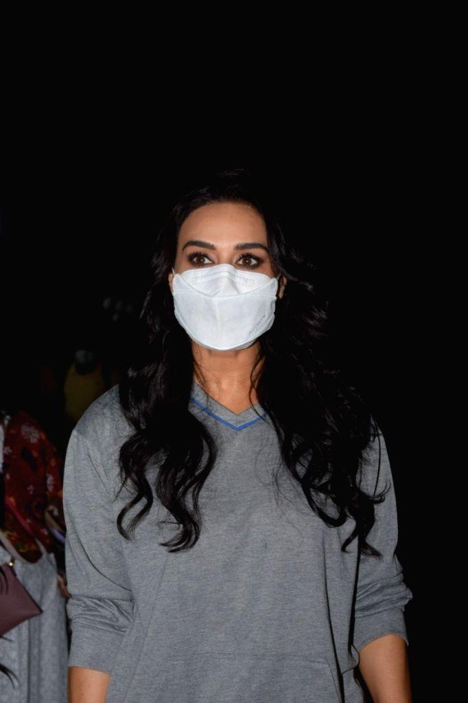 Preity Zinta Snapped post shoot in bandra. - Preity Zinta