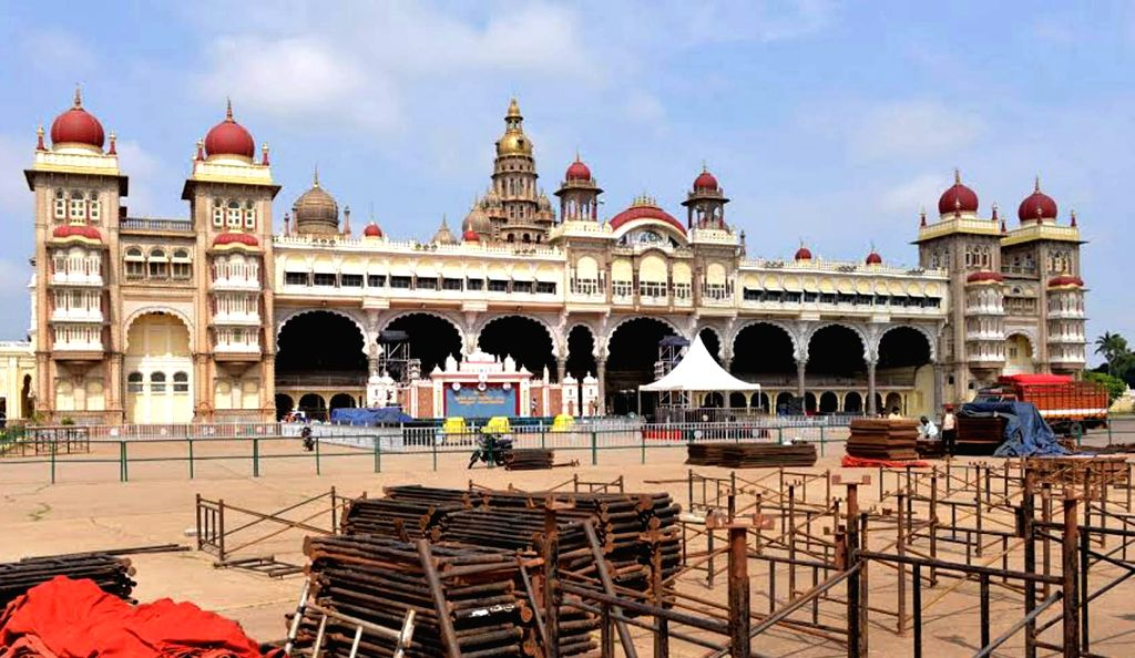 Preparation underway ahead of Dasara celebrations at the palace premises in Mysuru on Sept 30, 2016.