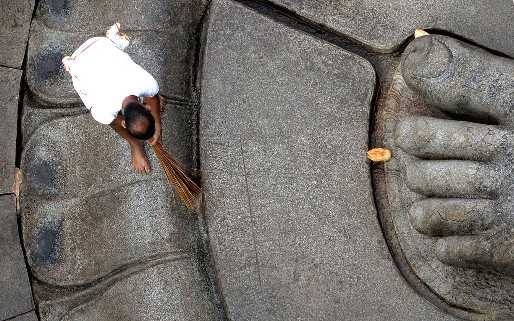 Preparations for Mahamastakabhisheka of monolithic statue of Lord Bahubali underway in at Shravanabelagola, in Channarayapatna of Karnataka on Feb 7, 2018.