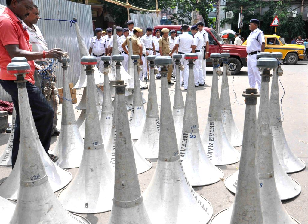 Preparations for Martyr's day (Shaheed Diwas) which is celebrated on 21st July underway in Kolkata on July 19, 2014.