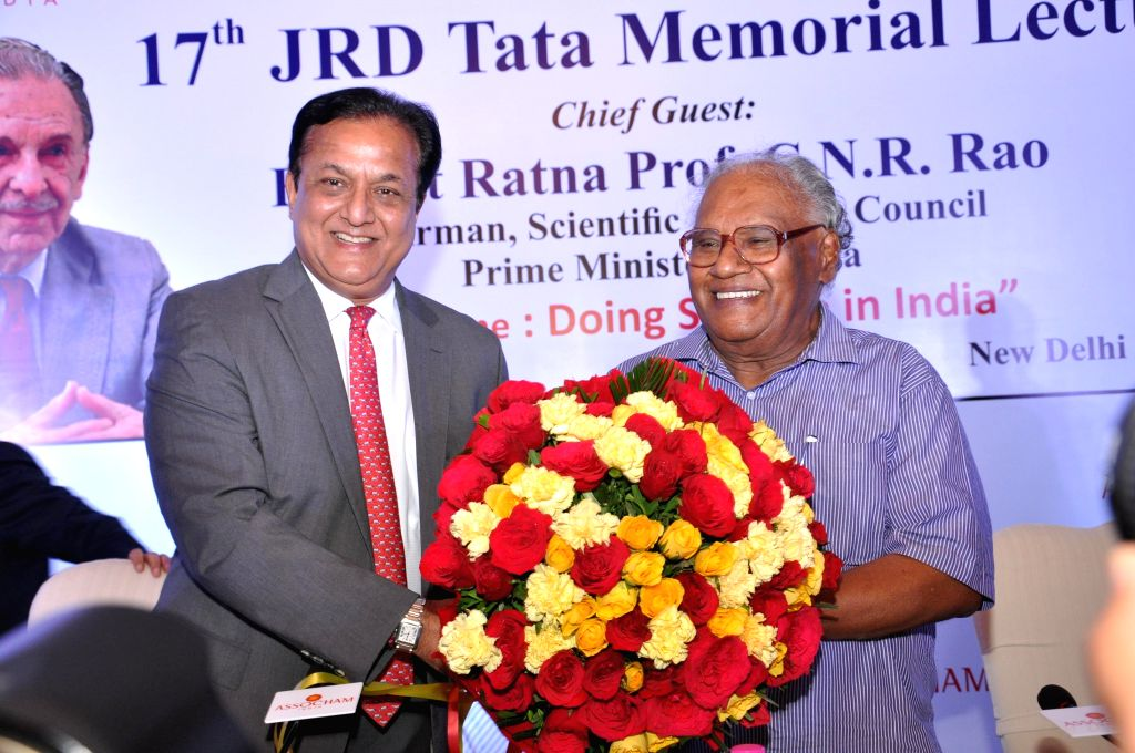 President of ASSOCHAM Rana Kapoor greets Chairman of Scientific Advisory Council of Prime Minister of India, Bharata Ratna Dr. CNR Rao during ASSOCHAM's 17th JRD Tata Memorial Lecture in New Delhi on - Kapoor
