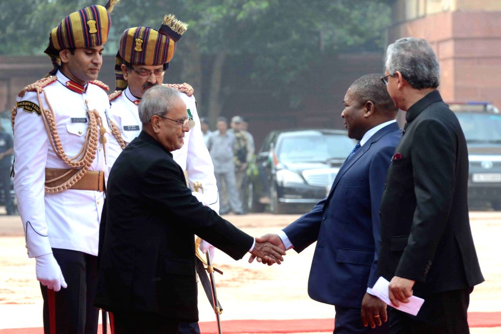 President of the Republic of Mozambique Filipe Jacinto Nyusi being welcomed by President Pranab Mukherjee at the Ceremonial Reception organised at Rashtrapati Bhavan, in New Delhi on Aug ... - Pranab Mukherjee
