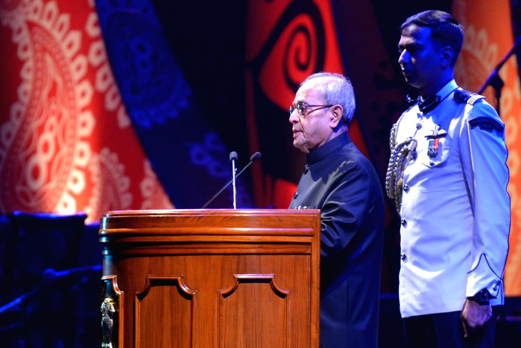 President Pranab Mukherjee addresses during the banquet in honour of the dignitaries attending the 3rd India Africa Forum Summit, in New Delhi on Oct 29, 2015. - Pranab Mukherjee