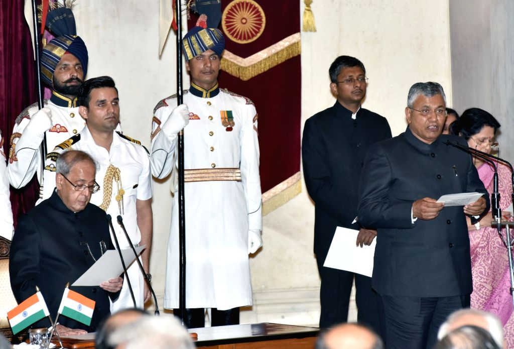President Pranab Mukherjee administers the oath of Minister of State to P.P. Chaudhary, at a swearing-in ceremony organised at Rashtrapati Bhavan, in New Delhi on July 5, 2016. - Pranab Mukherjee and P. Chaudhary