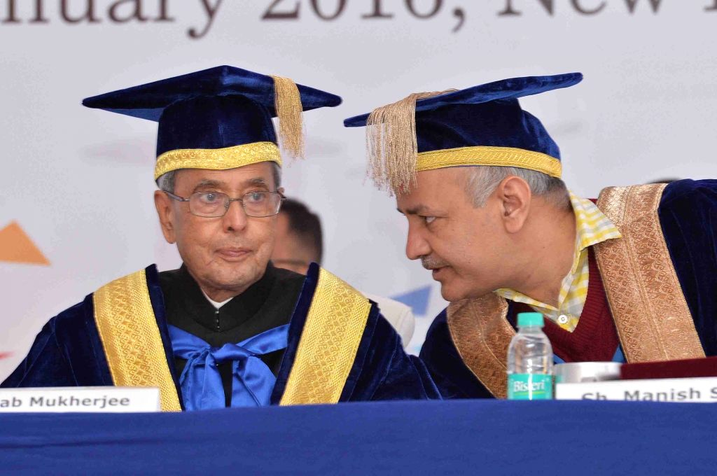 President Pranab Mukherjee and Delhi Deputy Chief Minister Manish Sisodia during the 6th Foundation Day Celebration and Convocation of Institute of Liver & Biliary Sciences (ILBS) in ... - Manish Sisodia and Pranab Mukherjee