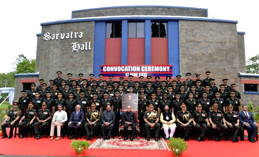 President Pranab Mukherjee at the convocation ceremony of the passing out Engineering Graduate Courses of the College of Military Engineering in Pune, Maharashtra on June 17, 2017. Also seen ... - Pranab Mukherjee and C Vidyasagar Rao
