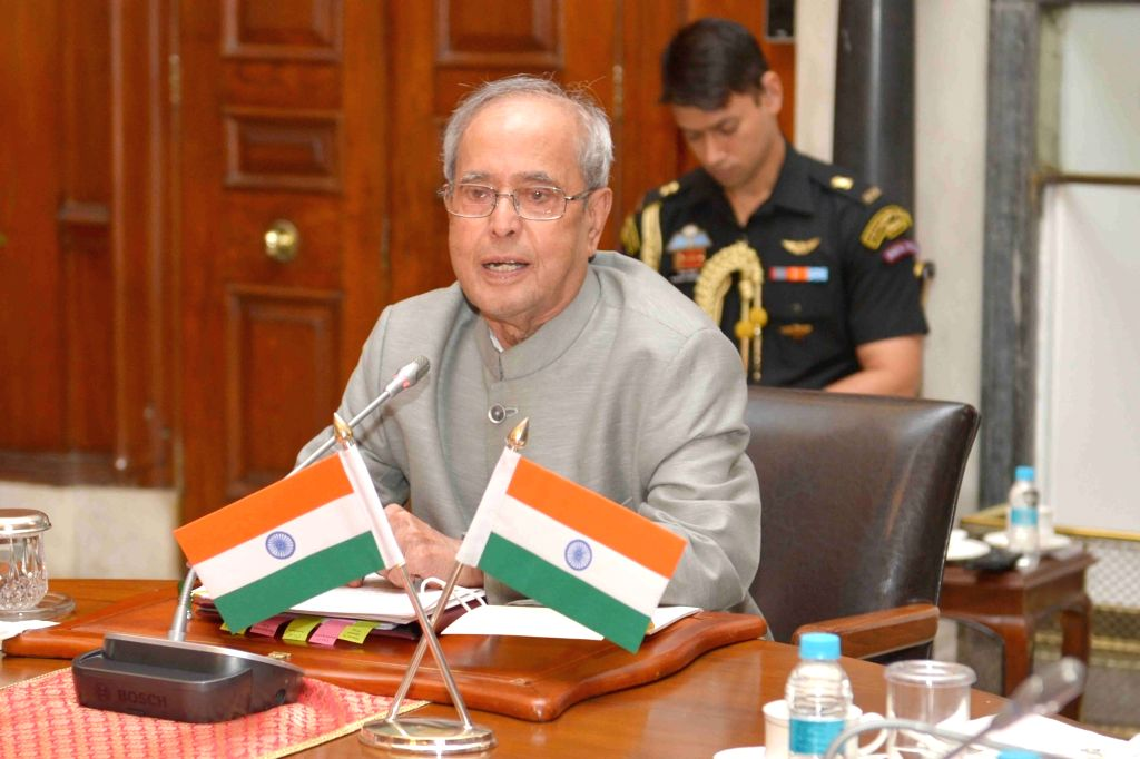 President Pranab Mukherjee, during a meeting with the students of IITs, IISc-B and IISERs attending the in-residence programme at Rashtrapati Bhavan in New Delhi on June 23, 2016. - Pranab Mukherjee