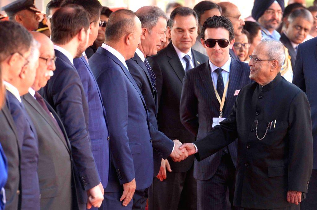President Pranab Mukherjee meeting dignitaries from Turkey at the forecourt in Rashtrapati Bhavan, New Delhi on May 1, 2017. - Pranab Mukherjee