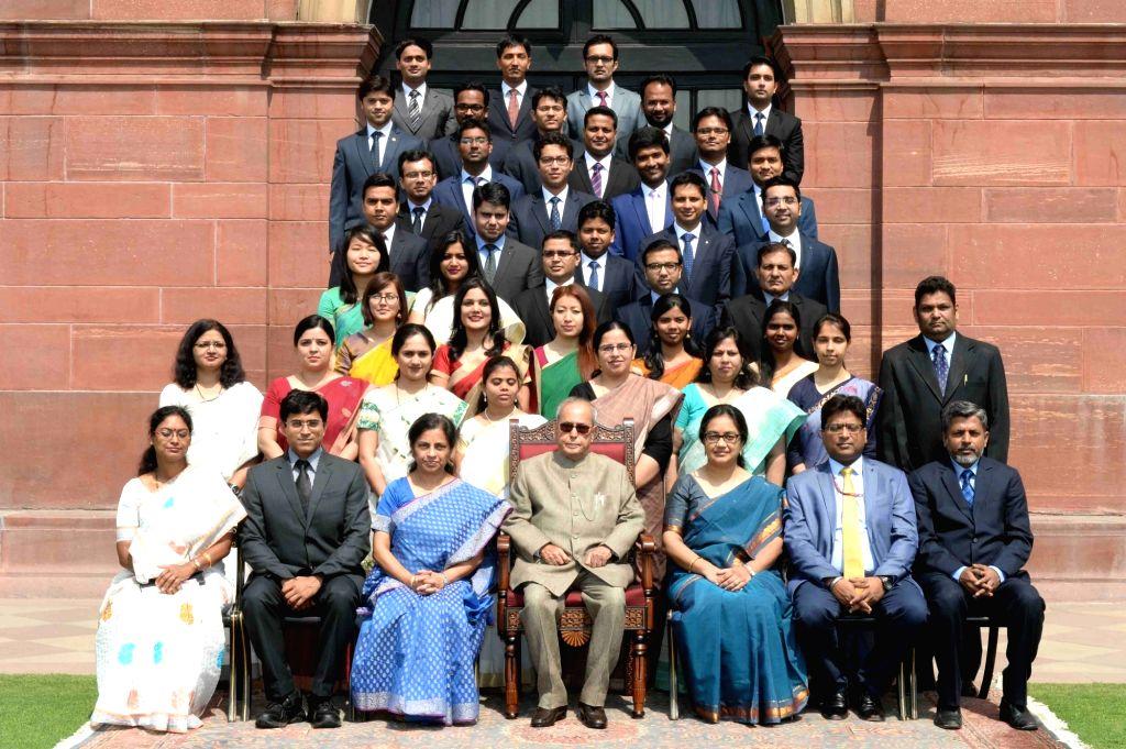 President Pranab Mukherjee meets Civil Service Probationers from the National Institute of Financial Management at Rashtrapati Bhavan on May 4, 2017. - Pranab Mukherjee