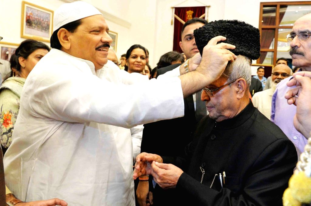 President Pranab Mukherjee meets the invitees at an Iftar party on the occasion of Id'ul Fitar hosted by him at Rashtrapati Bhawan in New Delhi, on June 23, 2017. - Pranab Mukherjee