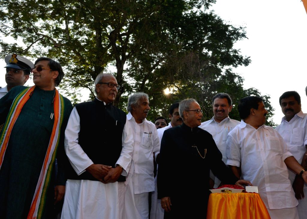 President Pranab Mukherjee, unveiling of the statue of Late Karunakaran, former Chief Minister of Kerala at Triruvananthapuram in Kerala on Dec. 20, 2013.