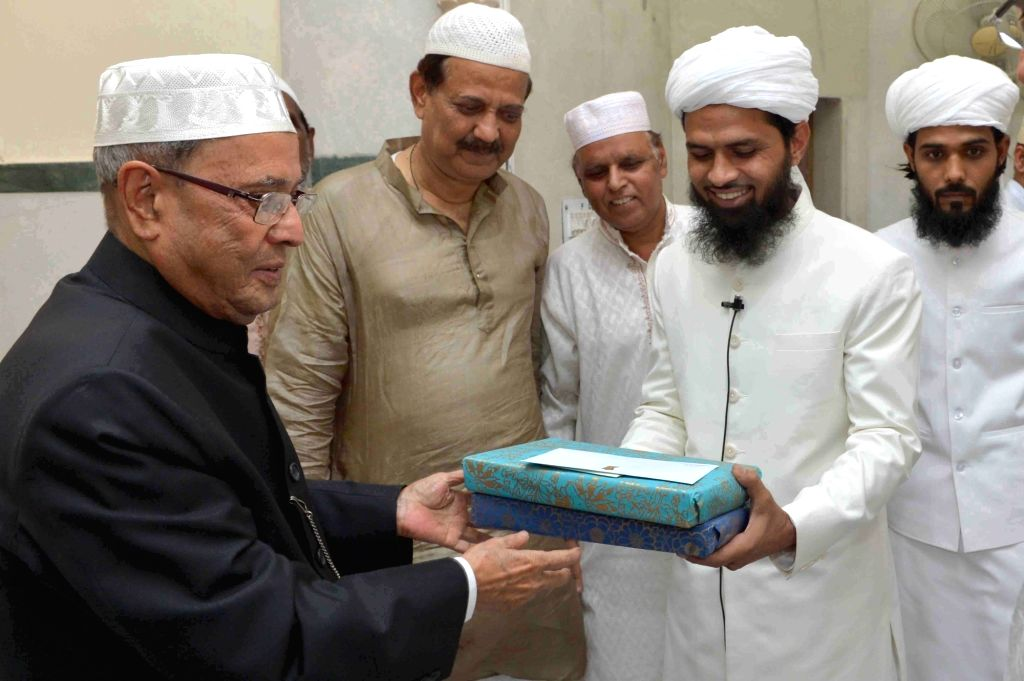 "President Pranab Mukherjee visits  President`s Estate Masjid on the occasion of ""Khatam Shareef"" in New Delhi on June 26, 2016. - Pranab Mukherjee"