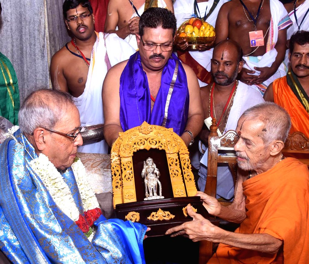 President Pranab Mukherjee with Sri Vishveshwara Theertha Swami of Pejavar Math during his visit to Srikrishna temple in Udupi on June 18, 2017. - Pranab Mukherjee