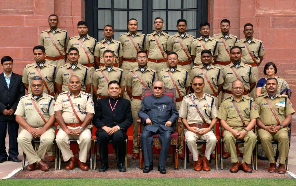 President Pranab Mukherjee with the Probationary Officers of Railway Protection Force of 2014 Batch at Rashtrapati Bhavan in New Delhi on June 14, 2017. - Pranab Mukherjee