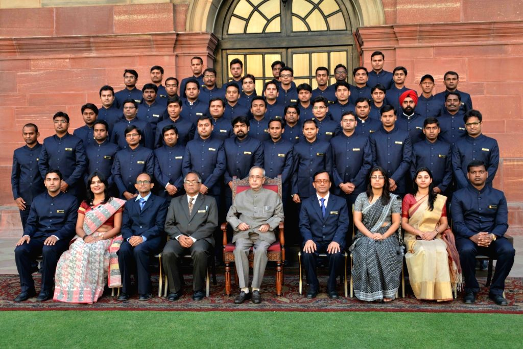 President Pranab Mukherjee with the Probationers of Indian Ordnance Factories Service (IOFS) 2014 (II) Batch and 2015 (I & II) Batches from the National Academy of Defence Production ... - Pranab Mukherjee