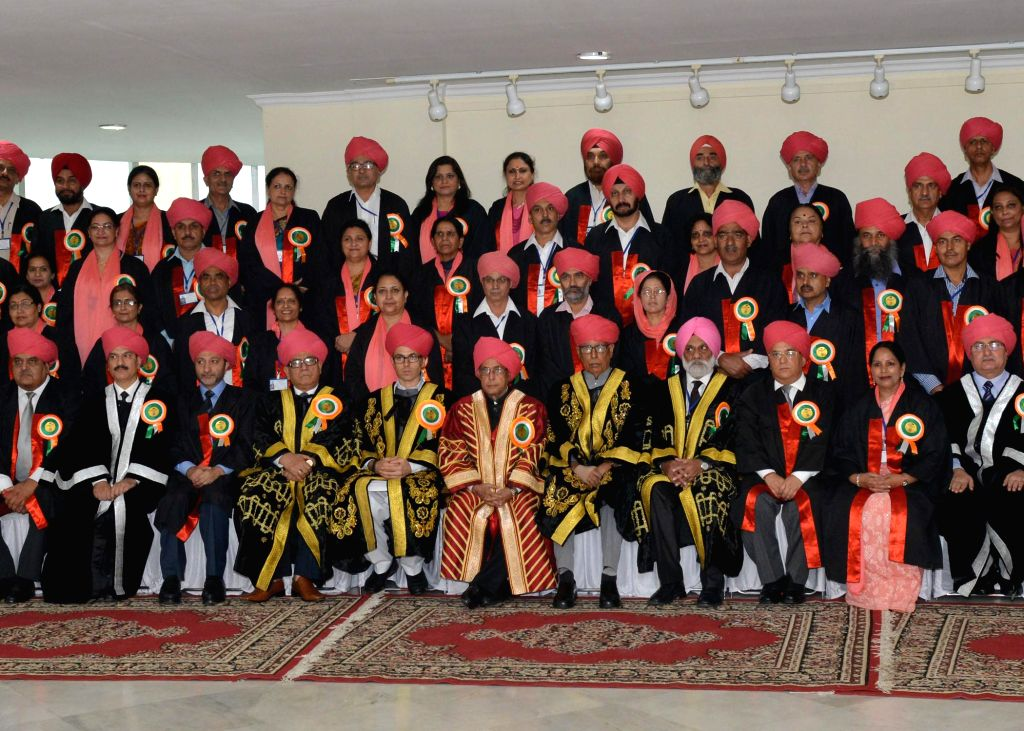 President Pranab Mukherjee with the students during 14th Convocation of the University of Jammu in Jammu on Sept 1, 2014. - Pranab Mukherjee