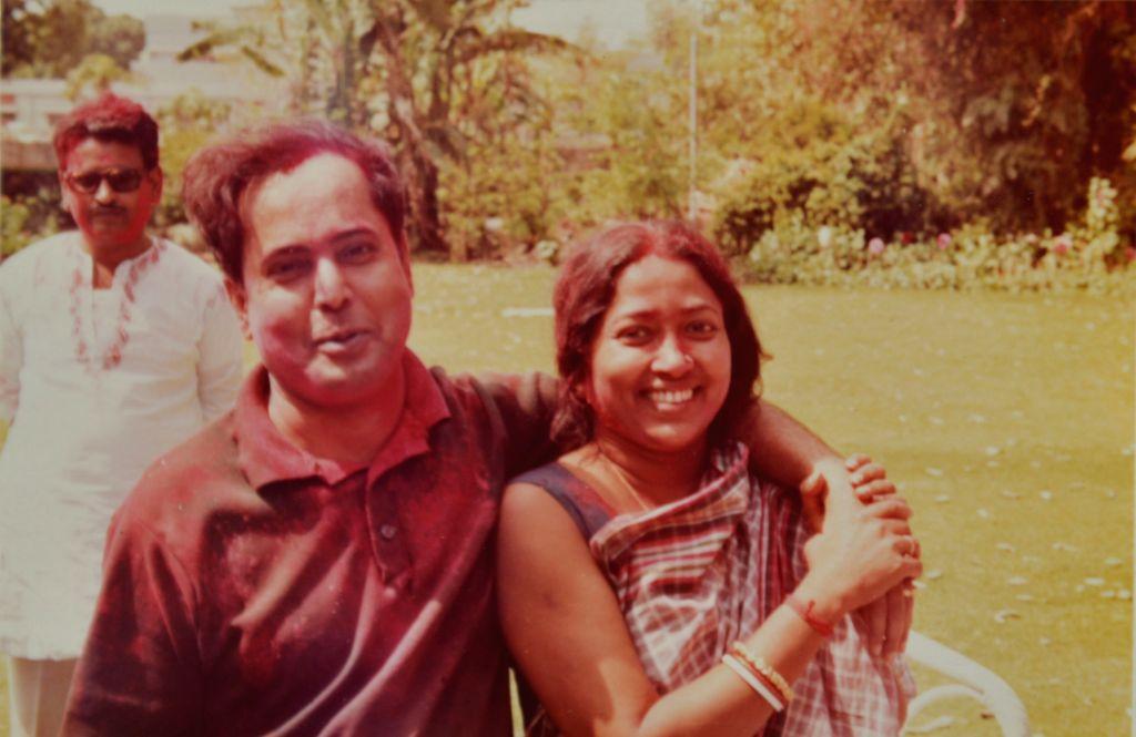 President Pranab Mukherjee with wife Suvra on Holi at 2 Jantar Mantar in early 1980s. (File Photo: IANS/RB) - Pranab Mukherjee