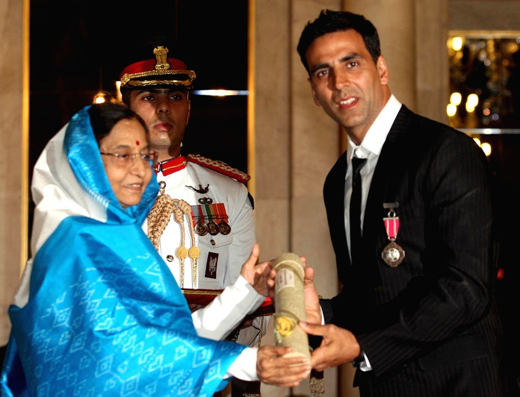 President Pratibha Patil presenting Padma Shri award 2009 to bollywood Actor Akshay Kumar during Padma Awards ceremony at Rashtrapati Bhawan in New Delhi on Tuesday.